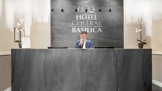 Hotel Central Basilica - Budapest