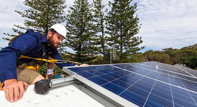Photovoltaik (Solarstrom) von Bargella Invest AG & Prime Energy Invest AG
