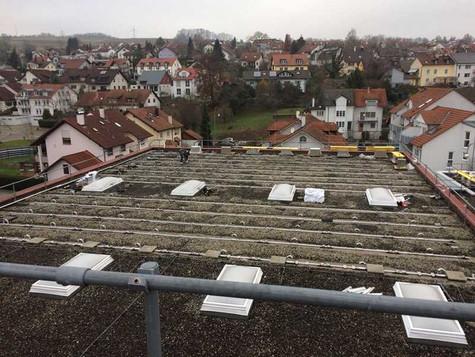 Hoher Stromverbrauch - kleine Dachfläche: Prime Energy Development realisiert Lösung