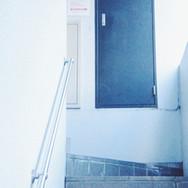 13.階段を登って来て下さい。