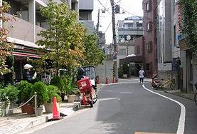 5左手にセブン・イレブン駒場一丁目店.jpg