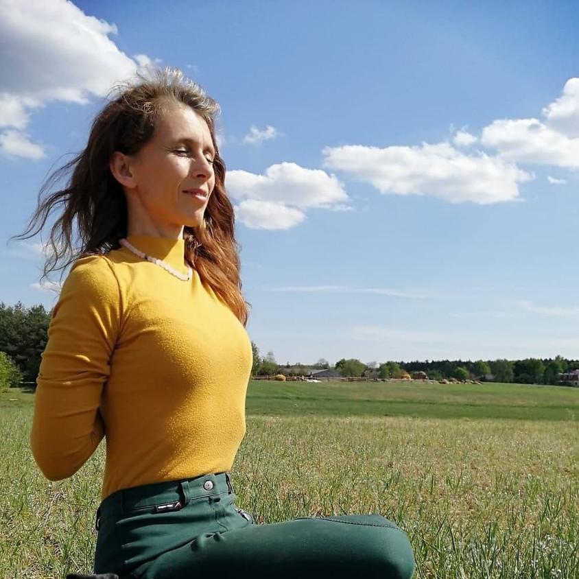 Agnieszka Wojtkowiak: Jesienne barwy jogi