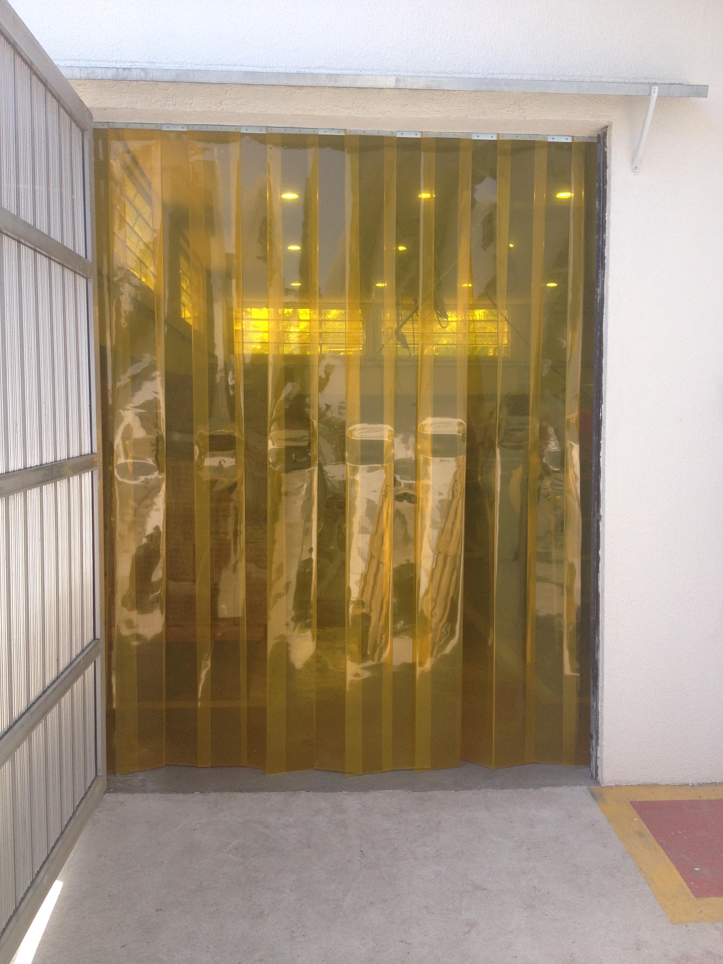 cortina-amarela-anti-inseto-ambar