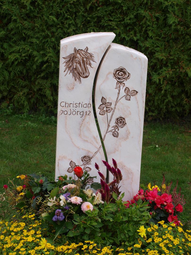 Pferdegravur Grabdenkmal