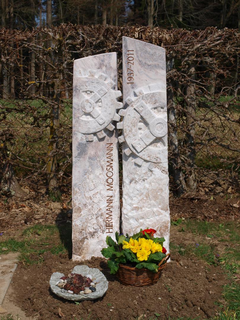 Oelmühle Grabdenkmal