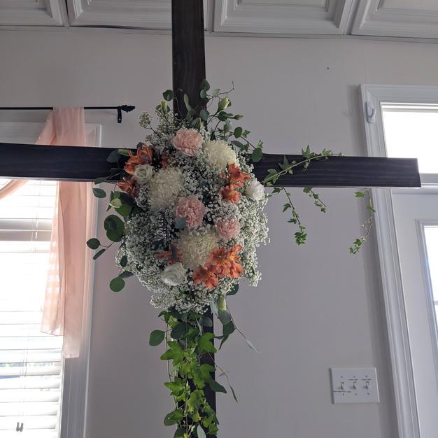 Large cross bouquet attachment