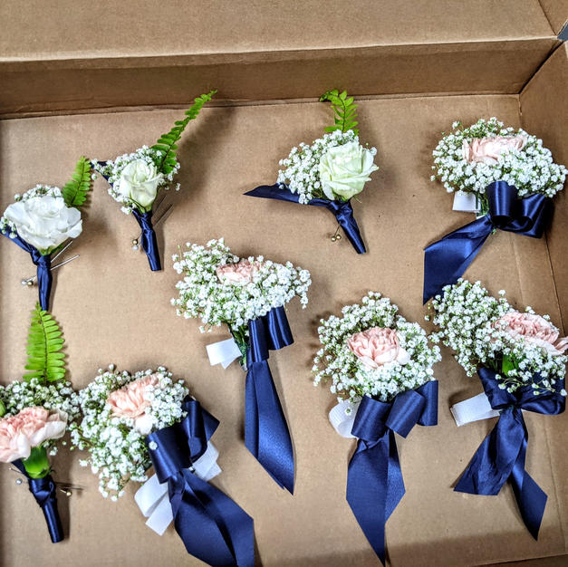 Corasage's and Boutonnieres!