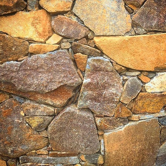 Natural stonewall detail, Houn Valley #vandiemenslandscapes #landscapedesign #gardendesign #stonewal