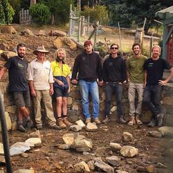 A good mob #vandiemenslandscapes #landscapers #landscaping #canlandscape #tasmaniangardens #stonewal
