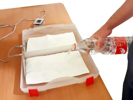 המכשיר למניעת זיעה פועל עם מי ברז רגילים ומפסיק את ההזעה בידיים וברגליים