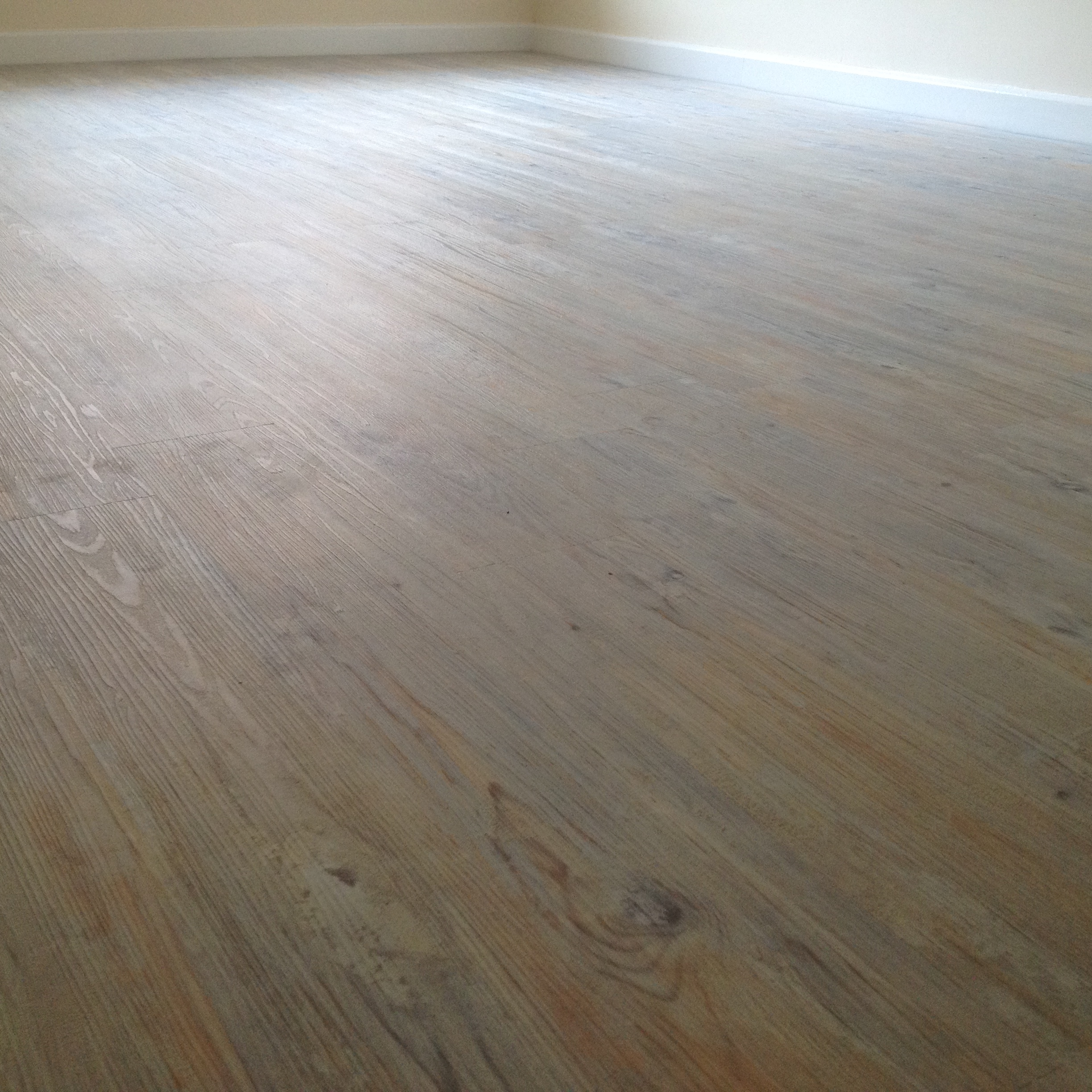 Camaro-Loc LVT Flooring, Smoke Limed Oak (1).JPG