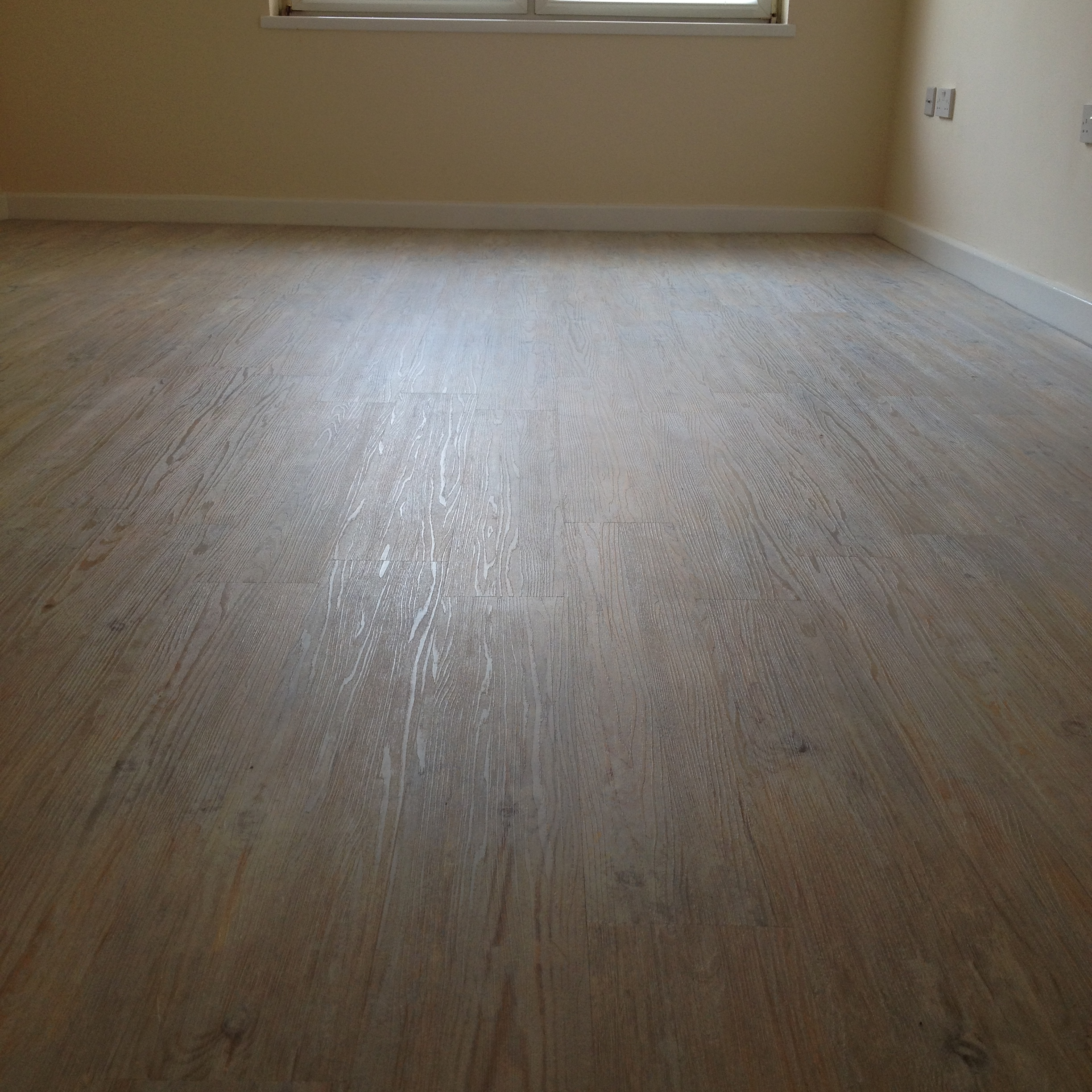 Camaro-Loc LVT Flooring, Smoke Limed Oak (2).JPG