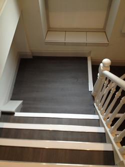 Town & Country vinyl flooring, Aluminium Nosing's with White inserts (10).JPG