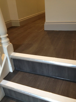 Town & Country vinyl flooring, Aluminium Nosing's with White inserts (1).JPG