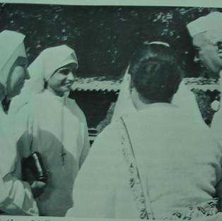 MMS Sisters with Nehru.JPG