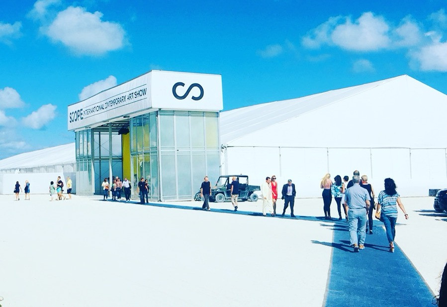SCOPE Miami Beach - Photo by Laurence de Valmy