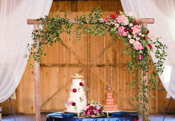 The Venue at Waterstone wedding cake flowers