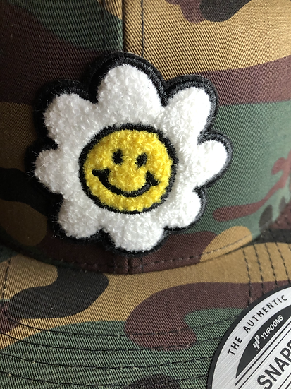 Chenille Daisy Iron On Patch