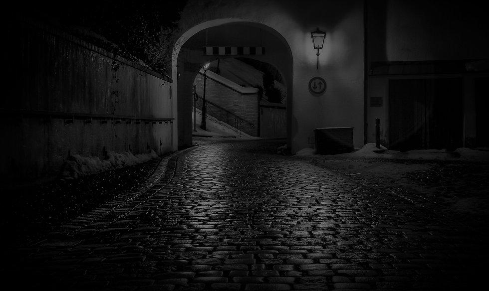 night-961738_1920_edited.jpg