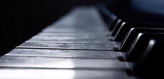 piano-4487573_1920_edited.jpg