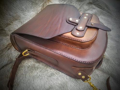handcrafted natural veg tanned leather back pack bag handstitched