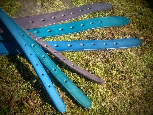 Hand dyed buckle collar