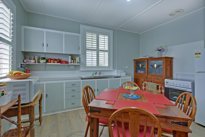 Tea Tree Bungalow Kitchen/dining