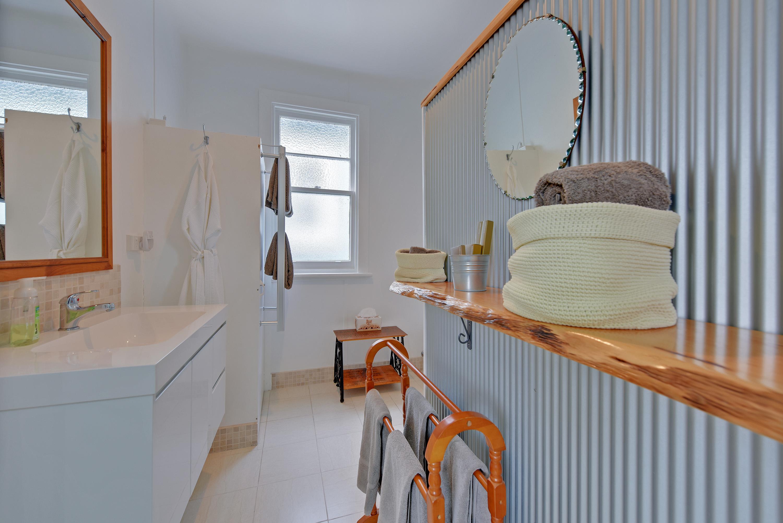 Waratah Cottage Bathroom