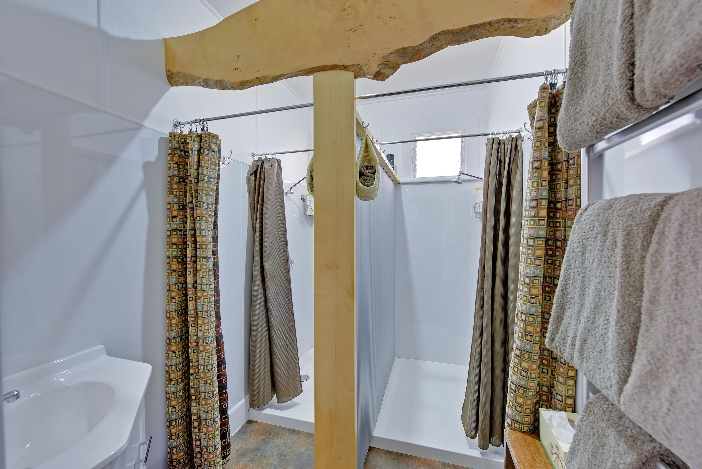 Tea Tree Bungalow twin showers