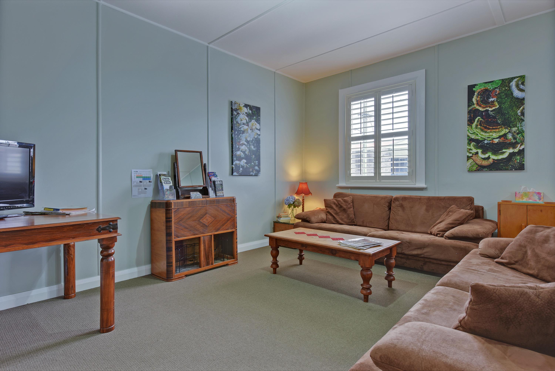 Tea Tree Bungalow sitting room
