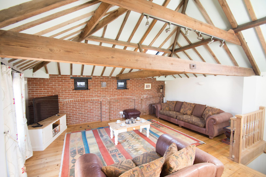 Lounge_The Stables Accommodation 2.jpg