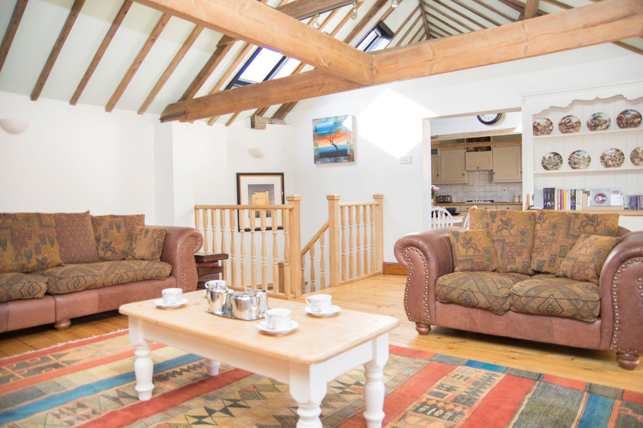 Lounge_The Stables Accommodation.jpg