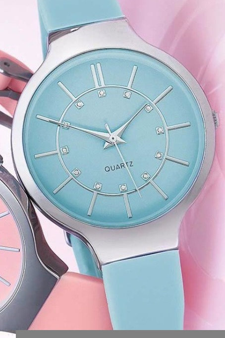Avon Daisy Watch - Turquoise Only