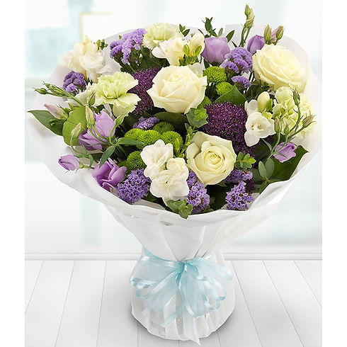 Delicate lilac ivory bouquet, lissianthu