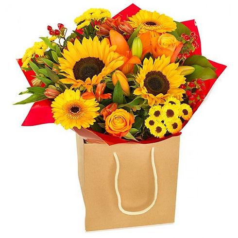 Summer sunflower bouquet delivered Liver