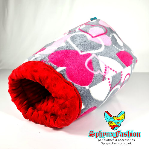Snuggle Cocoon Red & Hearts