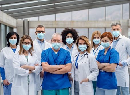 DOŚĆ! Nie związujcie rąk medykom!