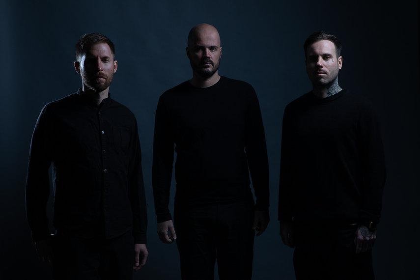 3 musicien de Goldencut debout