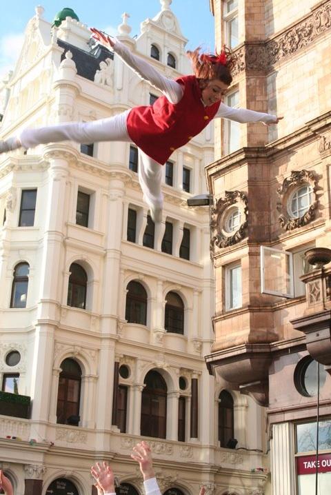 London Cheerleaders Stunt