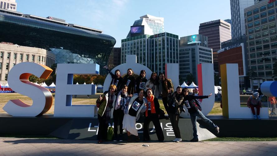 21日為韓國文化局之「中國日」於首爾廣埸,萬人同樂