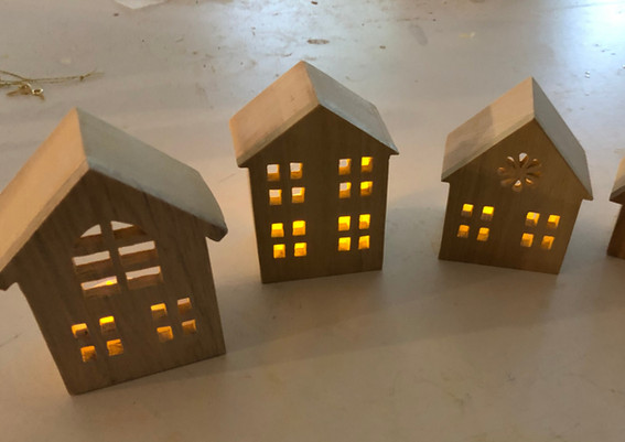 Little houses with tea lights