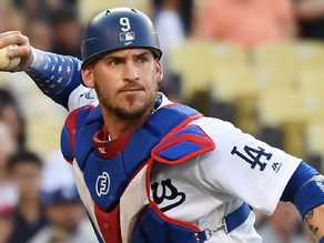 White Sox sign catcher Yasmani Grandal to the biggest contract in franchise history.