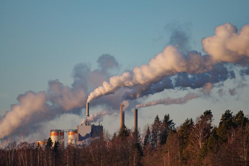 Polluting Power Plants