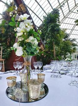 simpel elegant table centre