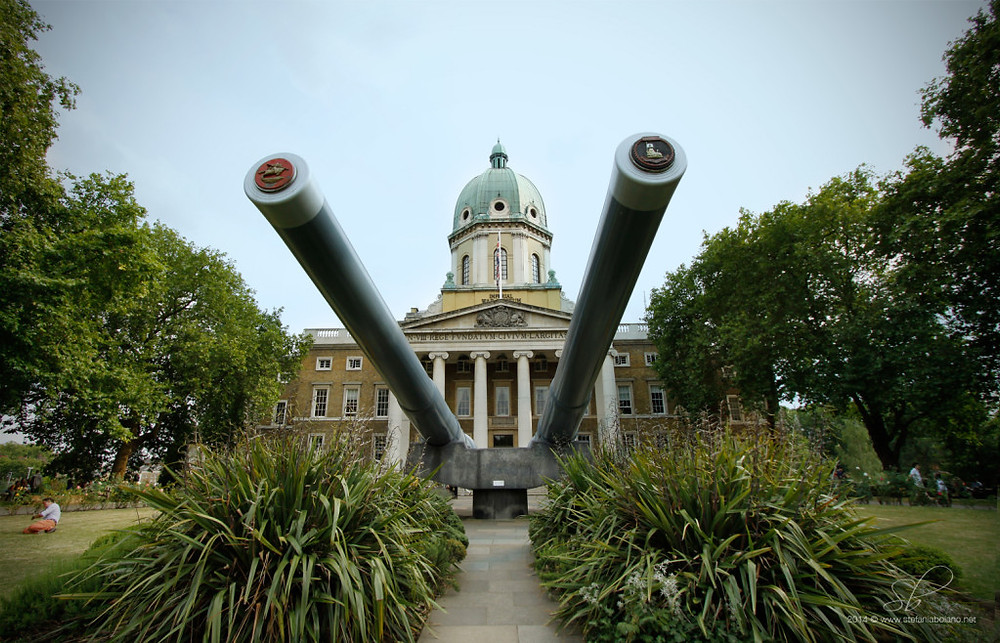 The entrance of the Imperial War Museums London