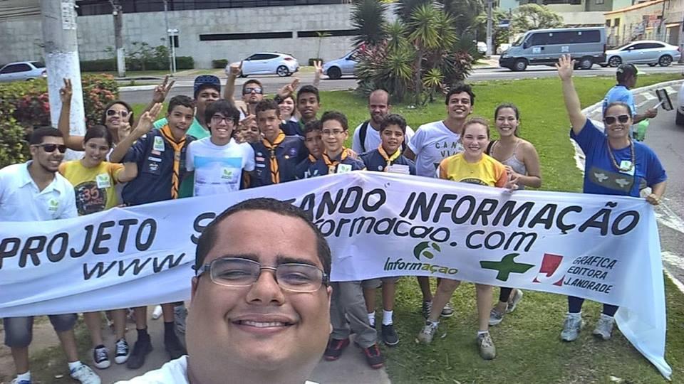 voluntarios lutadores defendendo a causa ecologica no nordeste do Brasil, junto a scouts