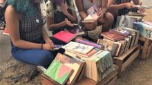 Canto Vivo realiza Feira de Livros e reverte verba para clínica veterinária popular no Santa Maria,