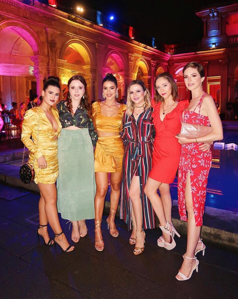 Influenciadoras Friends Fhits na  Festa de Lançamento da Camila Coelho Collection no Rio