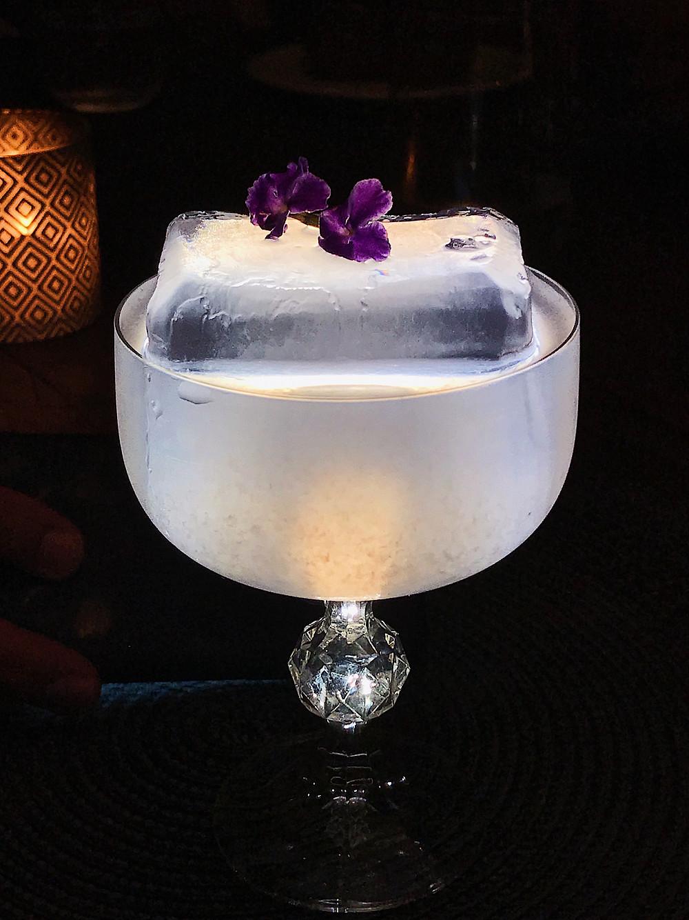 gin_and_flower_do_restaurante_místico_búzios