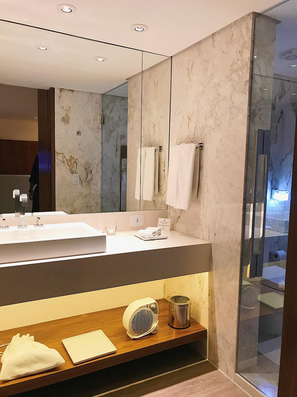 banheiro_mármore_nomaa_hotel
